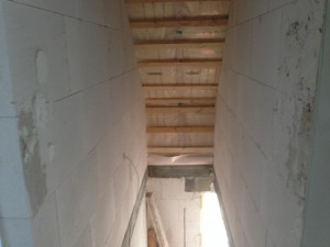 Treppenhaus - nicht verputzt